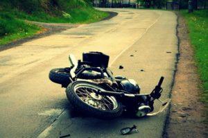 Une moto par terre